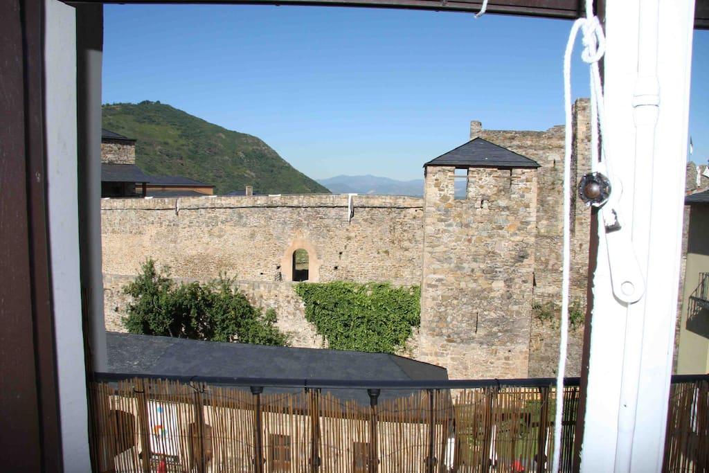 Balcon del Salon/Comedor con vistas al Castillo de Los TEMPLARIOS.