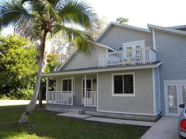 Tropical Remodeled Vacation Home  - Fort Myers - House