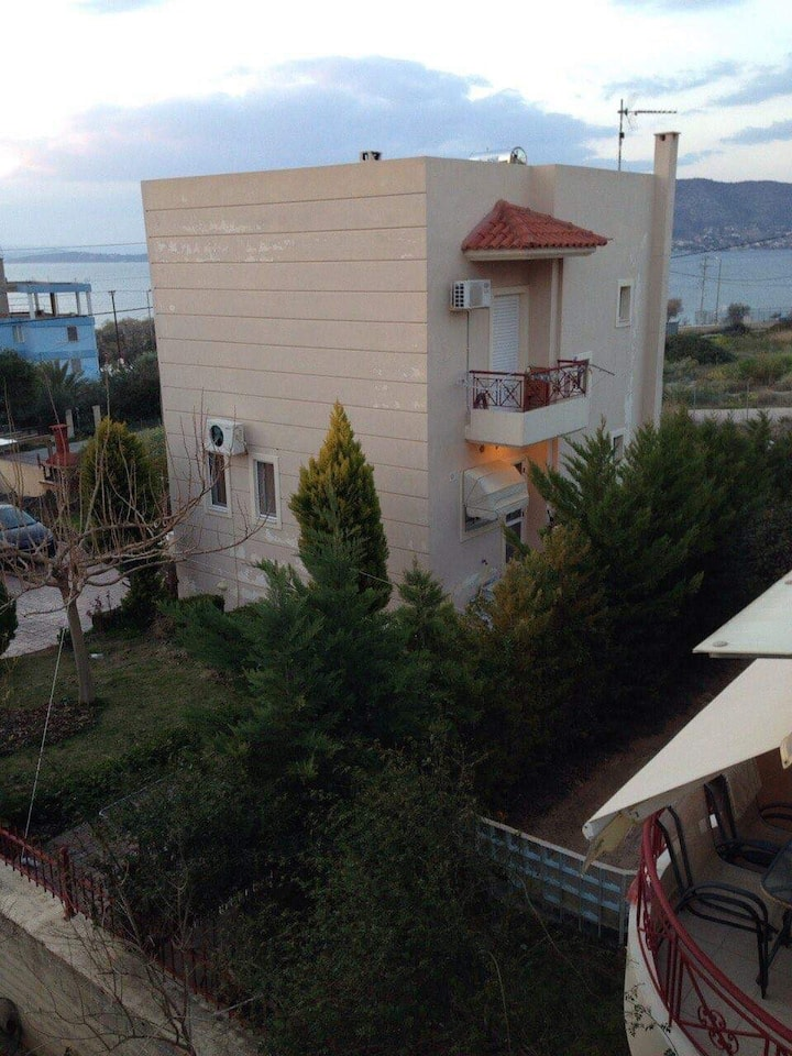 3 bedroom house in Salamina  for the best holidays