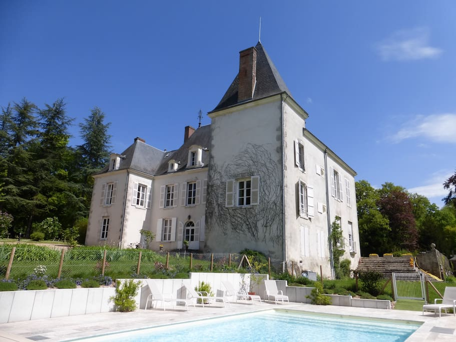 Château de Beaumont : la piscine