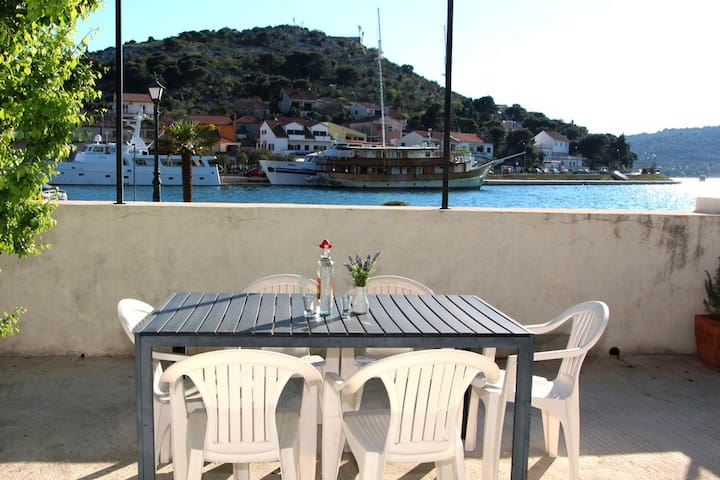 Festival Sea View Apartment - Tisno - Daire
