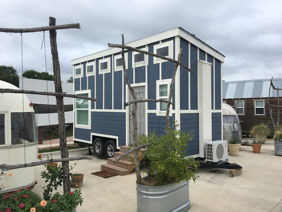 blue aggie tiny house at community first village houses for rent in austin texas united states. Black Bedroom Furniture Sets. Home Design Ideas