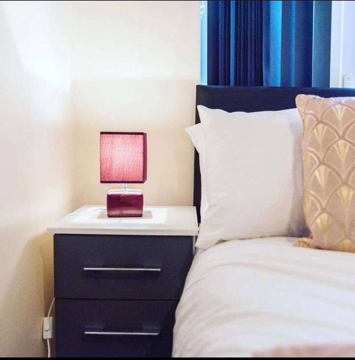 2 bed flat - sleeps 4