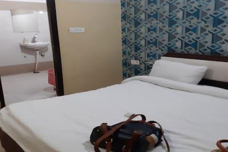 Hotel Jyoti Palace Vrindavan Deluxe Room