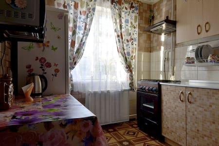 Сдам 2-кк квартиру посуточно - Ramenskoye - Apartament