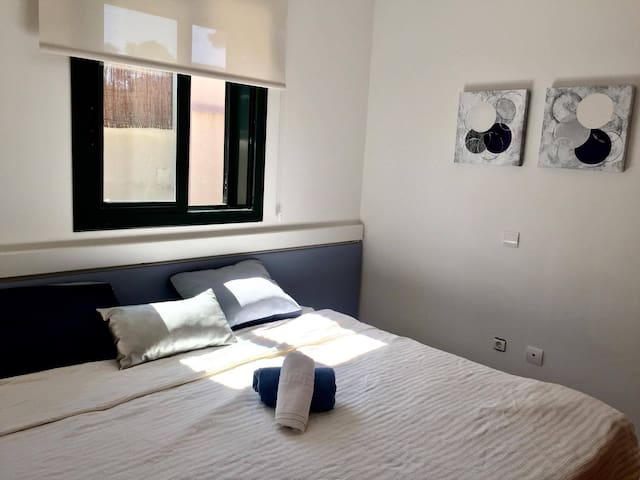 cozy room with private bathroom - Sant Josep de sa Talaia - Talo