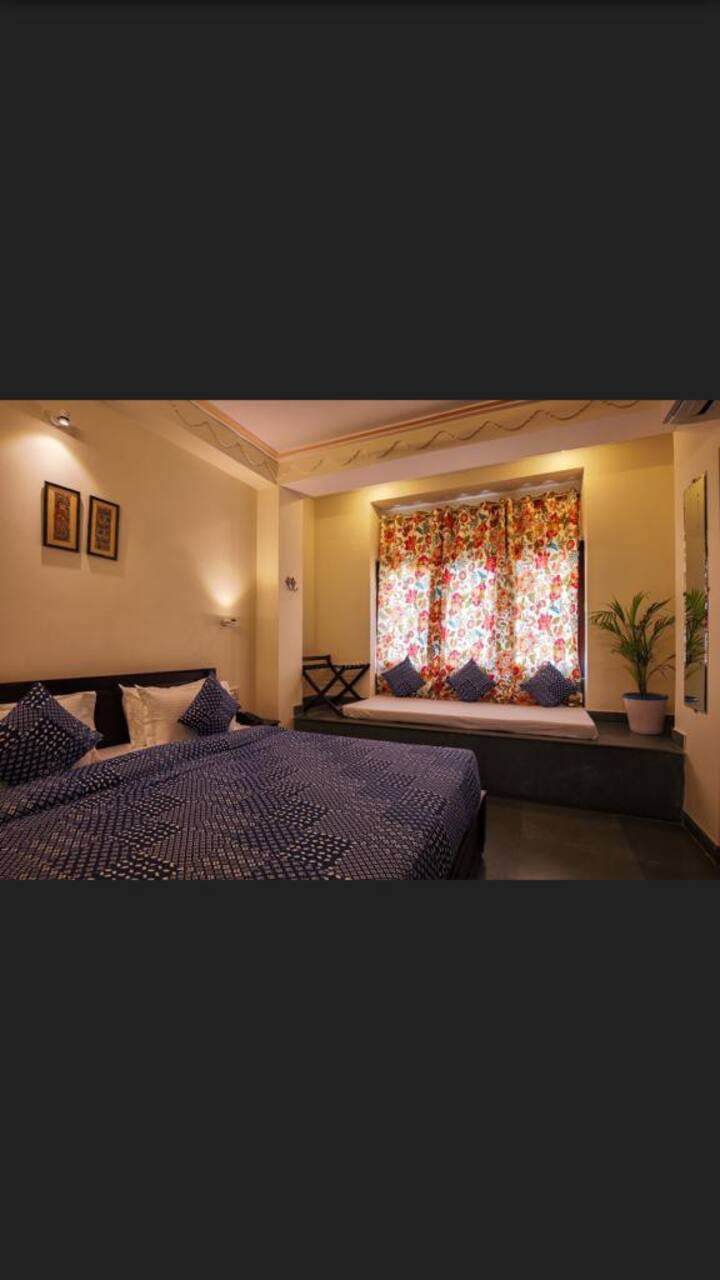 Heritage NONAC ROOM - TV|WIFI|Hot Water|24x7 staff
