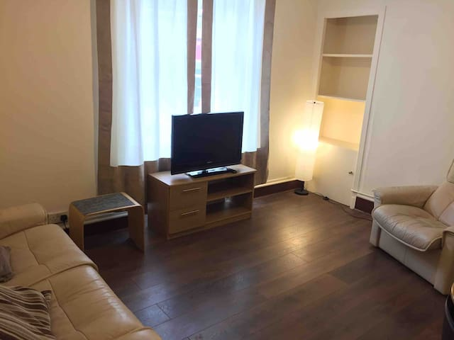 Lovely City Centre Ground Floor Apartment