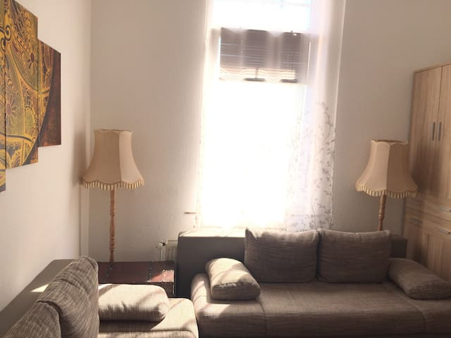 Small apartment near Hbf for one to three persons