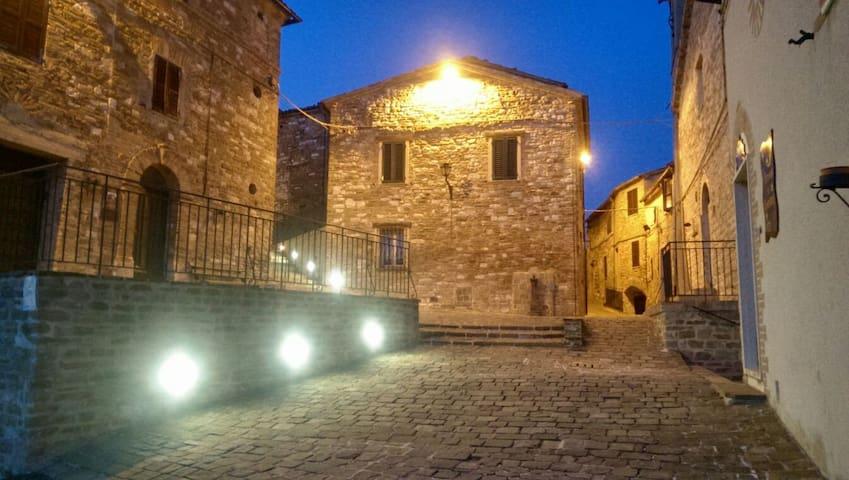 Al castello da Giulia e Luca - Avacelli - Casa