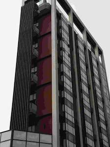 生活便利的樓中樓小豪宅,兩房/餐廳廚房/客廳/衛浴 - North District - Service appartement