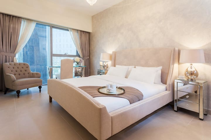 Luxurious 1 Bed Apartment DIFC - Dubai - Apartment