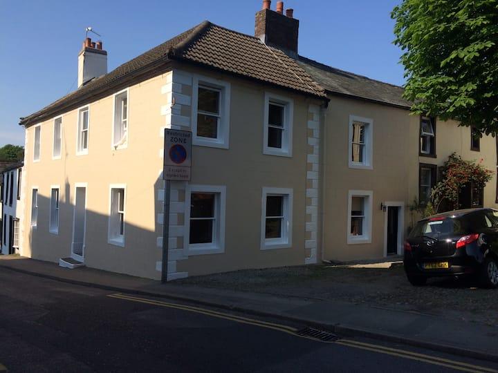 Yellow Poppy Cottage