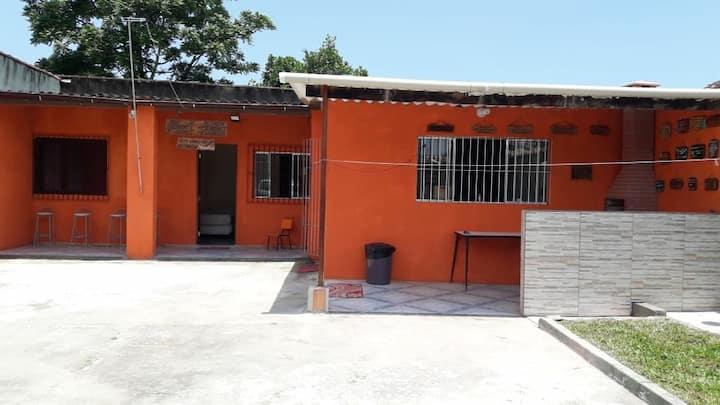 Ótima Casa Itanhaém próx Rodoviária casa arejada