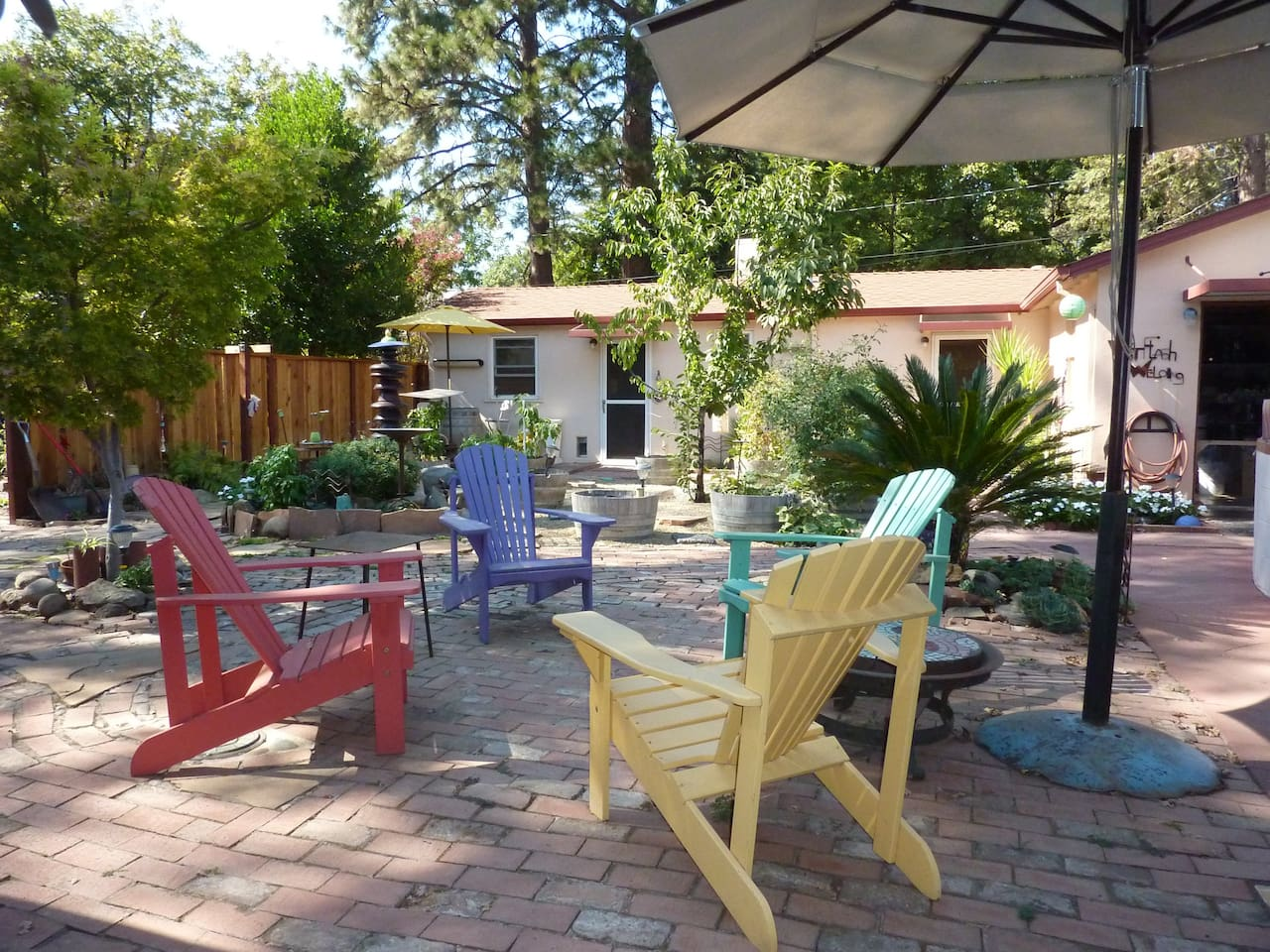charming backyard cottage with pool houses for rent in chico