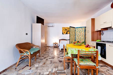 Apartment 800 meters from the sea.