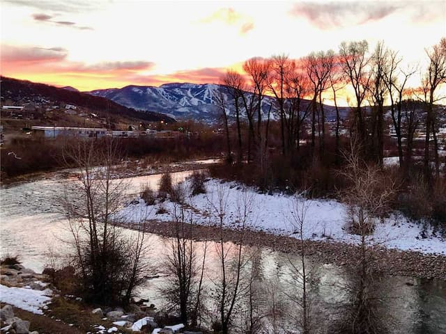 Discounted Steamboat Lift Tickets! The Only Rental On the Yampa River - Amazing Views of the Mountain! - 10 Riverplace