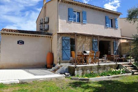Maison simple et tranquille - Montauroux