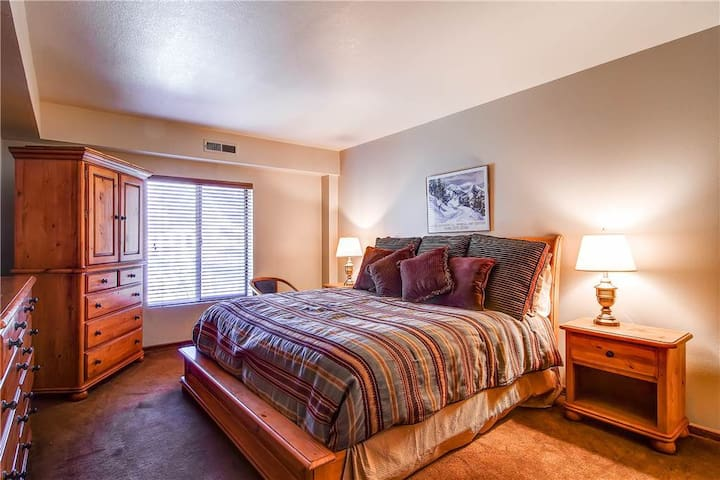 Hotel Room With Unbeatable Amenities - PS232-2