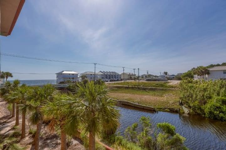 Near Restaurants, Shopping, & Across The Street From The Beach, Pool & Hot Tub ~ Paradise Shores 103