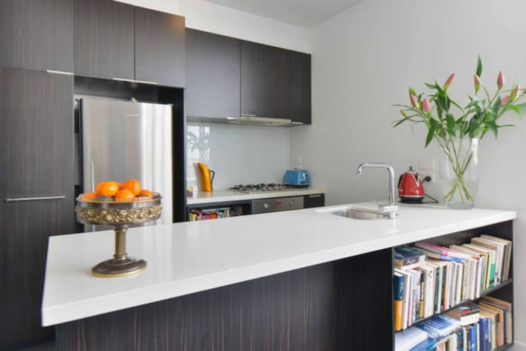 Fully equipped kitchen. Gas stove and electric oven.