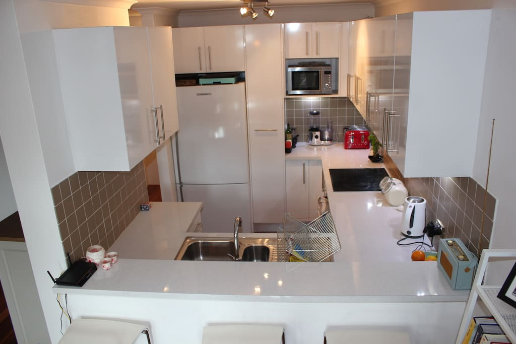 Brand new modern, well equipped kitchen with `Bosch appliances