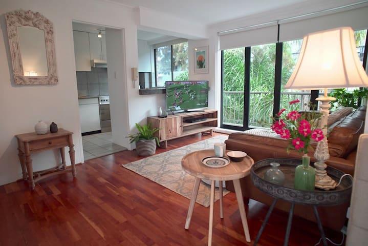 Sun soaked apartment in Sydney's heart
