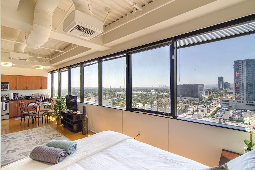 Hollywood highrise a views apartments for rent in for Highrise apartments in los angeles