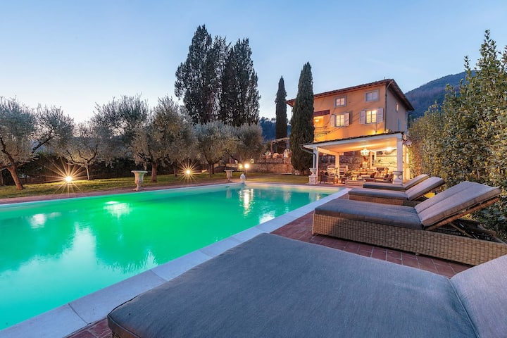 Charming & Luxury 10 Bedrooms VILLA MEDEA Close to the City Centre of Lucca