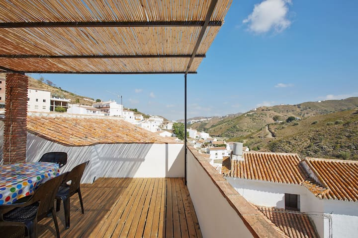 Villagehouse in authentic white andalusian village