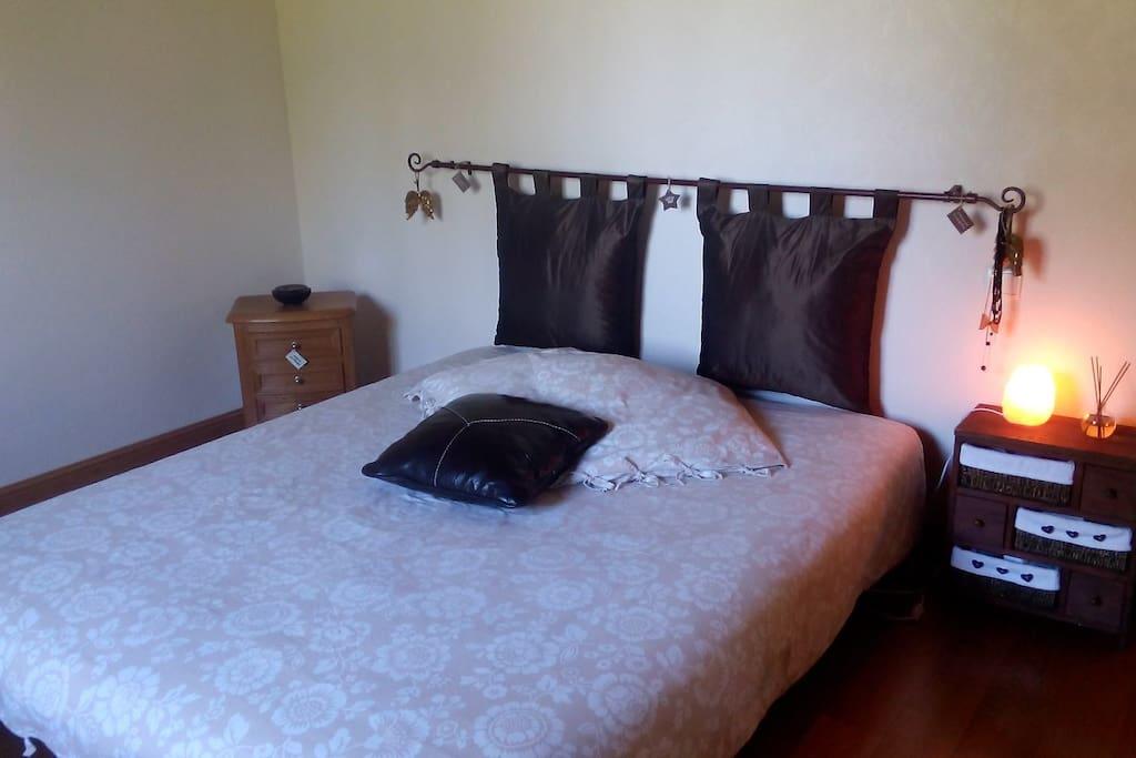 Chambre avec lit de 160×200
