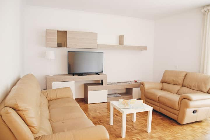 Nice & quiet apartment with parking, 4 rooms