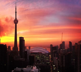 Highrise with incred CN Tower View! - Toronto - Condominium