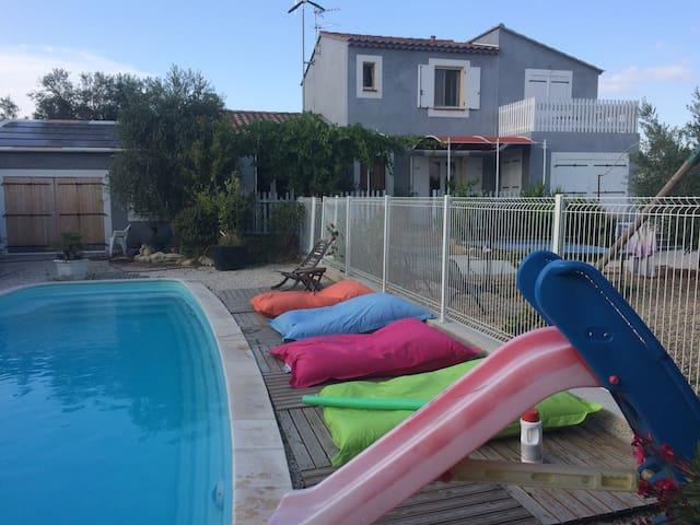 Villa du Bien-être,piscine,spa,clim - Arles - Villa