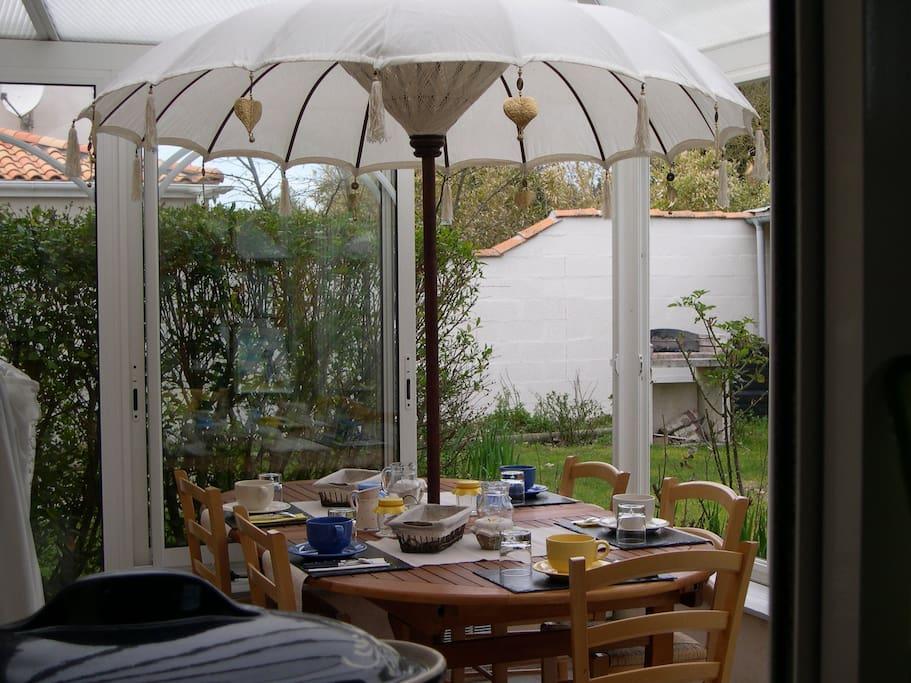 chambres d 39 h tes chatelaillon la rochelle chambres d 39 h tes louer ch telaillon plage. Black Bedroom Furniture Sets. Home Design Ideas
