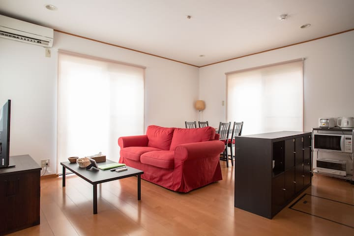 Walk to Kitano Tenmangu! 97sqm Spacious House