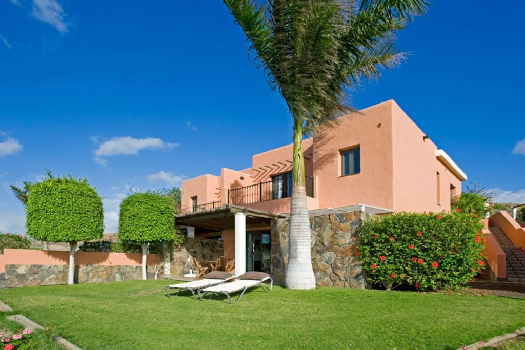 Das Ferienhaus befindet sich im Salobre Golf Resort auf Gran Canaria.