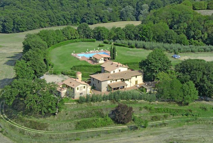 Collini House In Tuscany Farmhouse