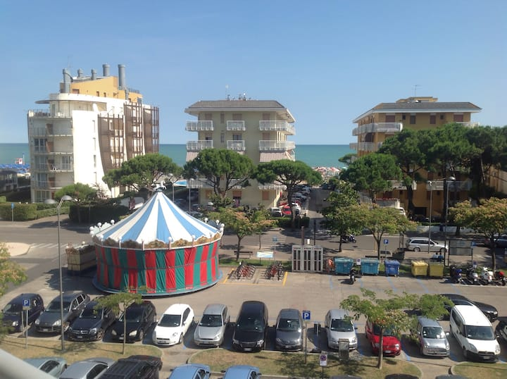 Jesolo live with your family!