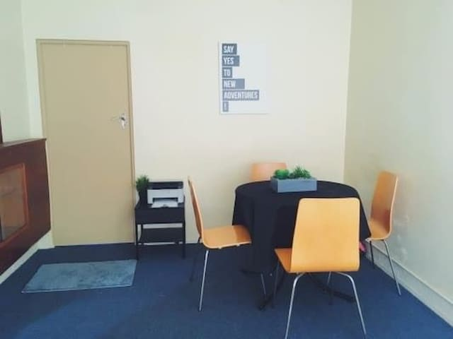 Affordable Apartment Stay in Kingsford