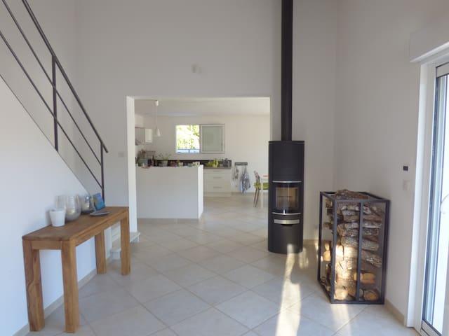 maison contemporaine - Le Puy-Sainte-Réparade