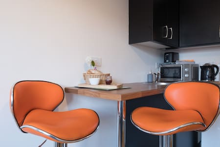 Comfy bright, private apartment, Salthill, Galway.