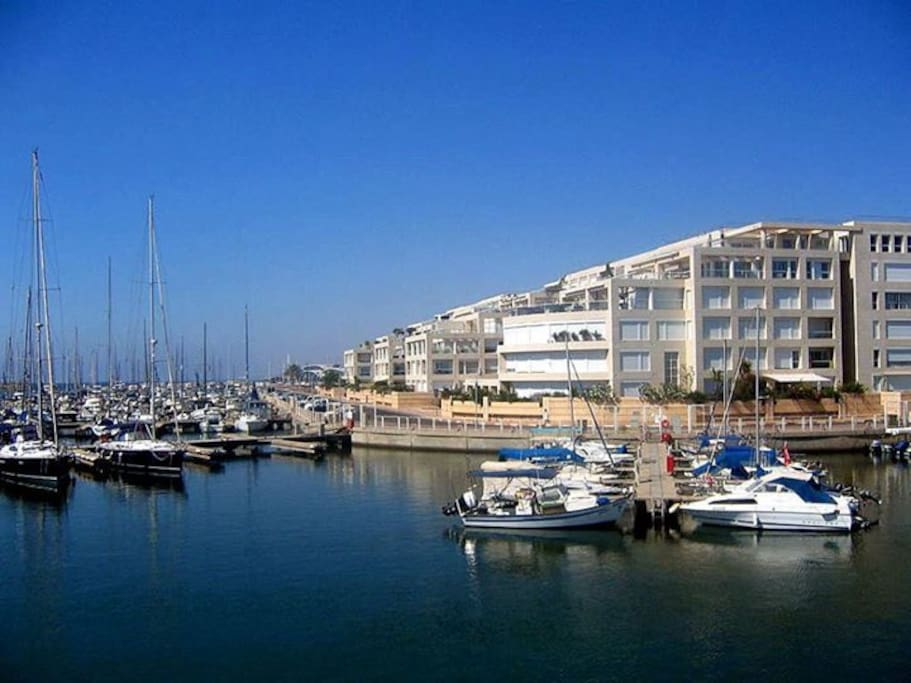 Water front living in the Herzliya Marina