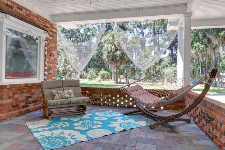 Relaxing Island Studio - Between Savannah & Tybee