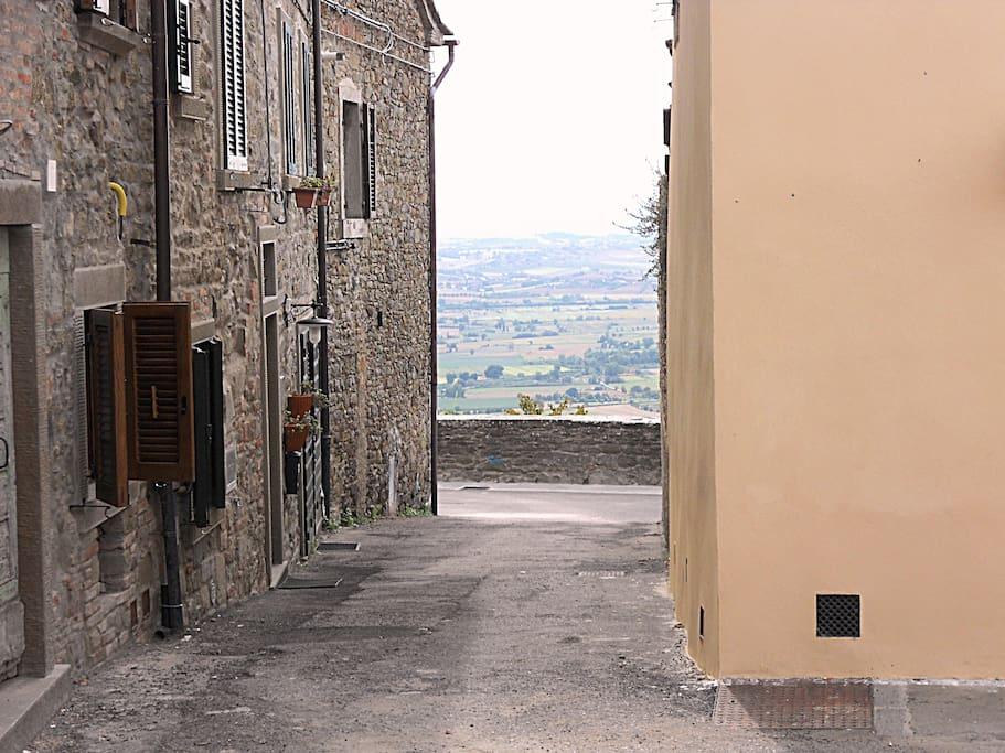 Vista dalla porta dell'appartamento