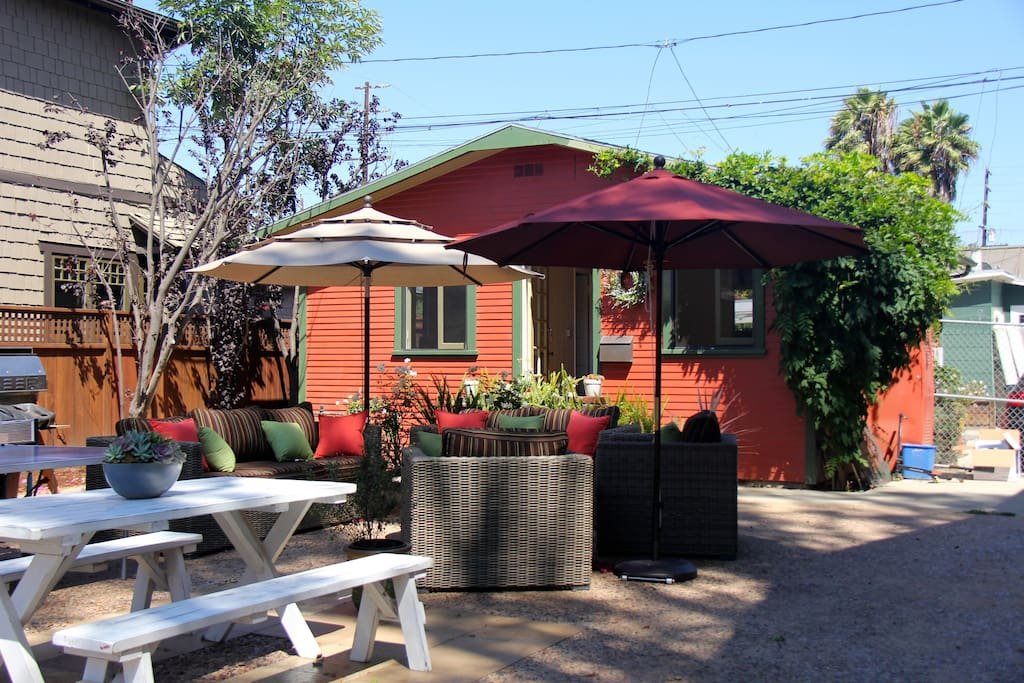Venice walk street cottage guesthouses for rent in los for Cottages in los angeles