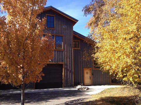 Smithfield Canyon Lodge - 8 Acres