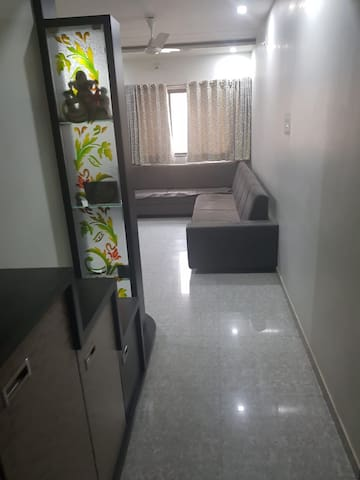 Service Apartment Or Home Stay Fully Furnished.