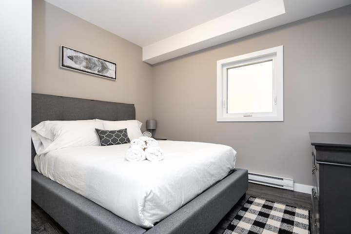 #13|Sprawling 2 Bdr in APARTHotel | Parking Available| Osborne Village
