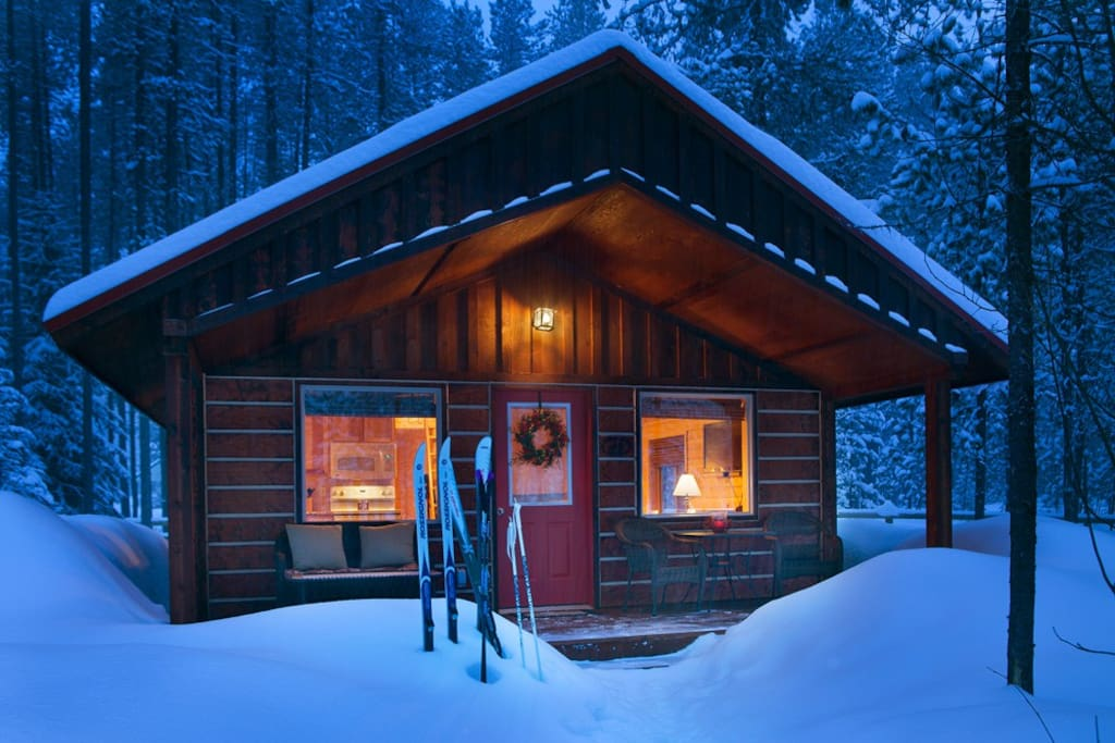 Reclusive moose cabin cottages for rent in columbia for Winter cabin rentals colorado
